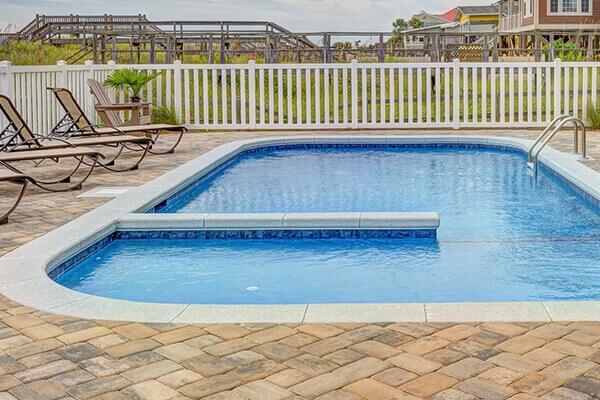 Cosa sono le recinzioni per piscina